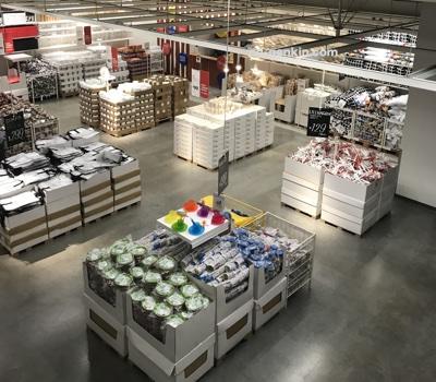 IKEAのマーケットホール